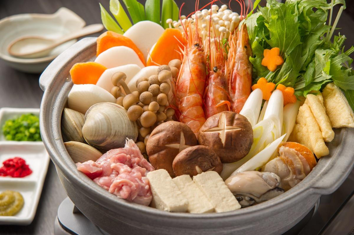 野菜にお肉、海の幸たっぷりの寄せ鍋